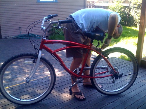 Freddy adjusting Katalins bike
