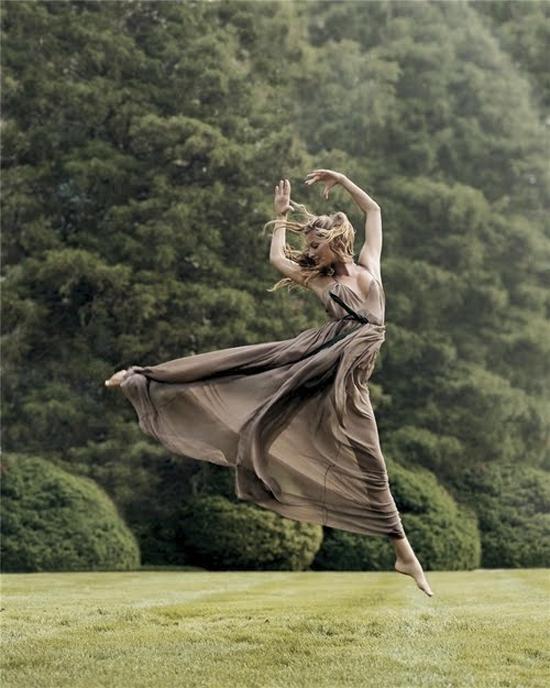 Vogue Sept 2004 - Gisele Bundchen by Steven Meisel