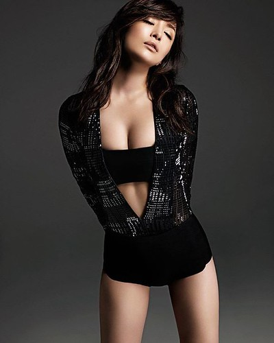 Ayumi Hamasaki wears La Perla Cristallo Nero bodysuit. Today, Hong Kong previews the exclusive La Perla exhibition, featuring photos of @a.you wearing the brand's most iconic pieces. The exhibition will be installed end-March in the Tokyo Aoyama boutique.