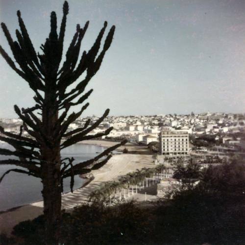 13 Luanda, no Marginal