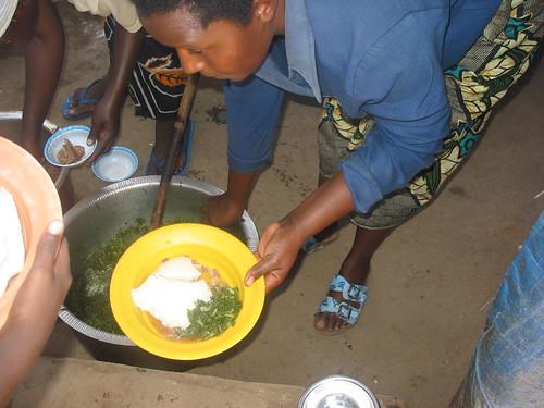 Ugali na mchicha (Ugali & spinach)