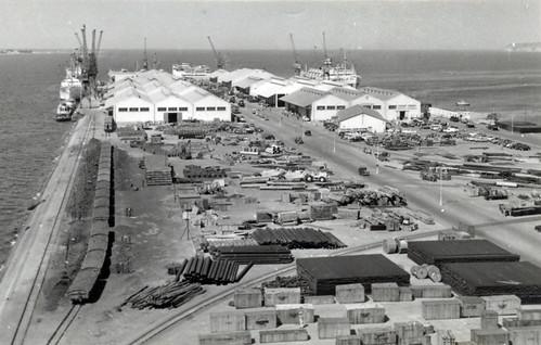 16 Luanda port