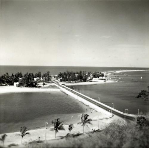 1 Causeway to the Ilha