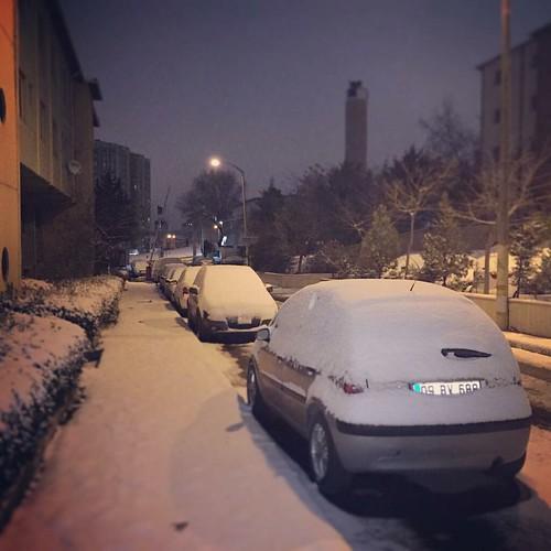 Sabah sabah karla uyanmak