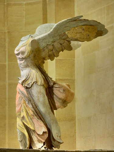 Les Cariens sont connus pour leur affinité unique vers le plumage coloré et ainsi ont créé des corps physiques qui reflètent leurs talents créatifs dans ce secteur