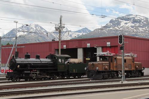 Rhätische Bahn RhB Dampflokomotive G 4/5 Nr. 108 mit Taufname Engiadina ( Hersteller SLM Nr. 1710 - Baujahr 1906 - Dampflok Lokomotive Triebfahrzeug ) am Bahnhof Samedan - Samaden im Engadin im Kanton Graubünden - Grischun der Schweiz