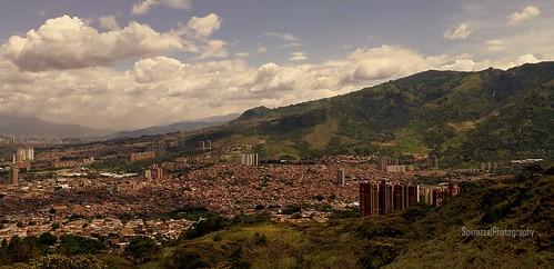 Vista panorámica de Bello desde el Cerro Quitasol