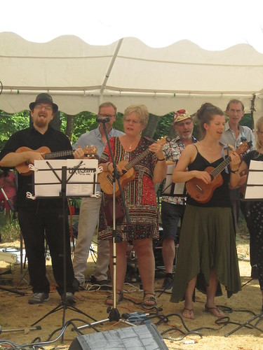 Knaphill Village Show July 2018 - UkeJam