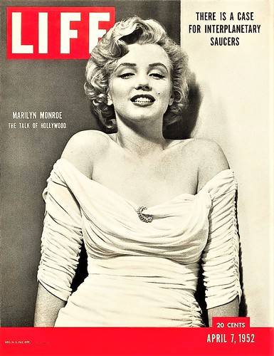 Marilyn Monroe, Life cover variation, 1952 - PHILIPPE HALSMAN (1906–1979)