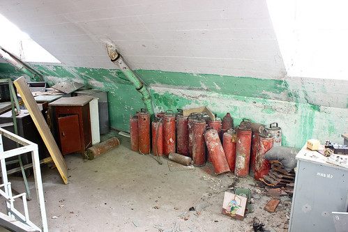 gegen Brandstifter / против поджигателей / contre les pyromanes / against arsonists