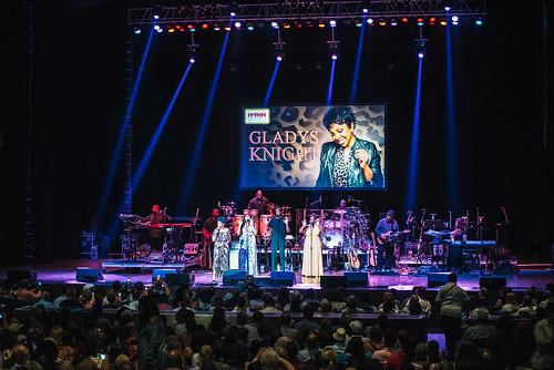 2018-08-12-Gladys Knight + O'Jays @ Mann-119