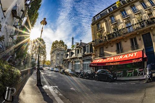 rue de la manutention on a Satruday morning