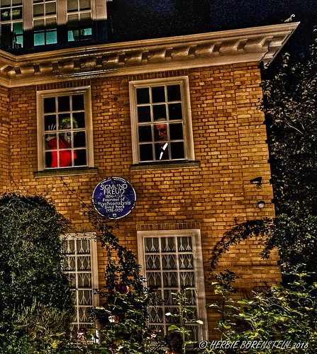 Don't miss Sigmund Freud's (former) home next time you're in London.