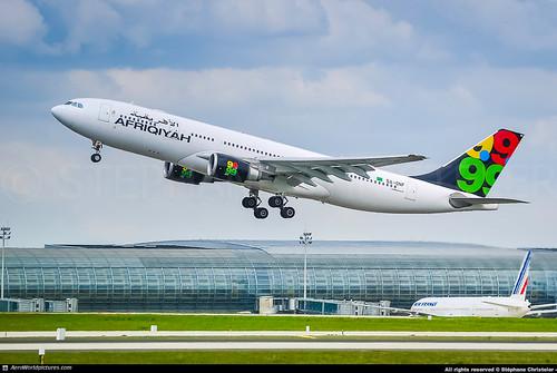 [CDG.2011] #Afriqiyah.Airways #8U #Airbus #A330 #5A-ONF #awp