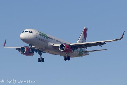 XA-VAT Airbus A320 VivaAerobus Los Angeles airport KLAX 14.09-18