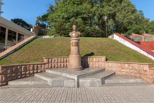 Памятник адмиралу флота Н.Г. Кузнецову