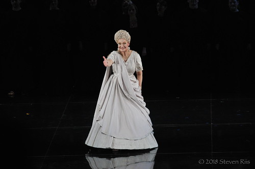 Karita Mattila - Plotina - Hadrian bows
