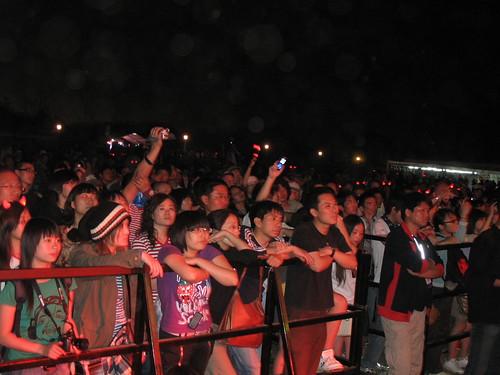 Crowd shot 2: Kava Kava headline Gibson Stage, Beijing Midi Festival, May 2007, Haidian Park, Beijing, China. 北京迷笛音 2007年5月乐节