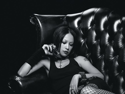 [2006.11.29] Hitoiro (一色; One Colour) (NANA starring MIKA NAKASHIMA)