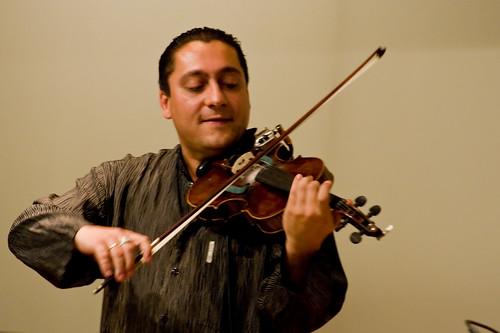 Frankie Láto - Violin