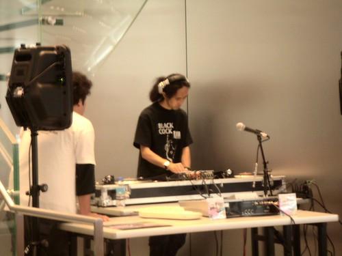 TAKIMI Kenji at Apple Store Shibuya