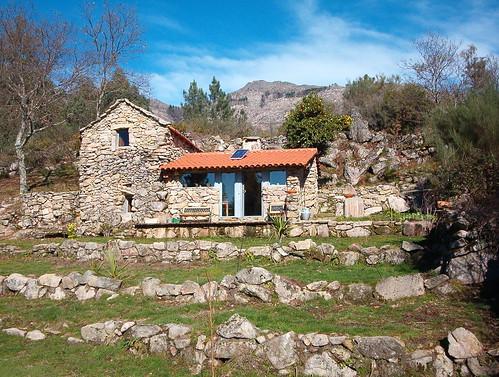 Casa de campo nas Chedas by Domingos Xavier.