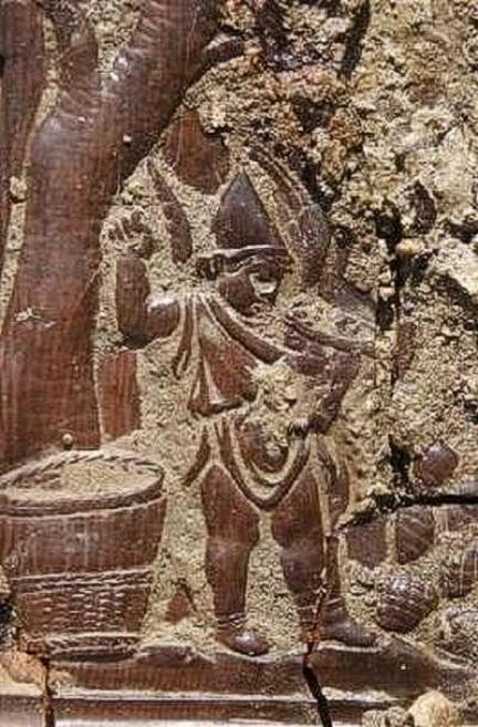 Trono madera Villa de los Papiros Herculano 003
