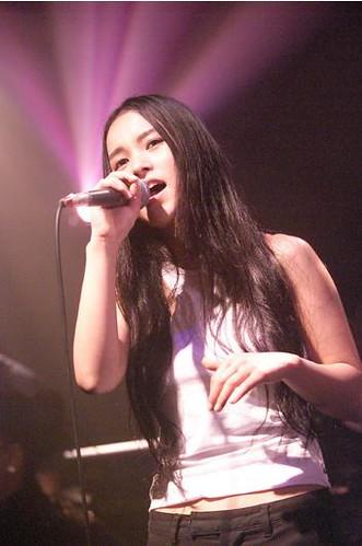 Yumi Shizukusa live.jpeg