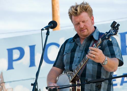 Junior, banjo, Kati Penn & New Town - Walnut Valley Festival '09