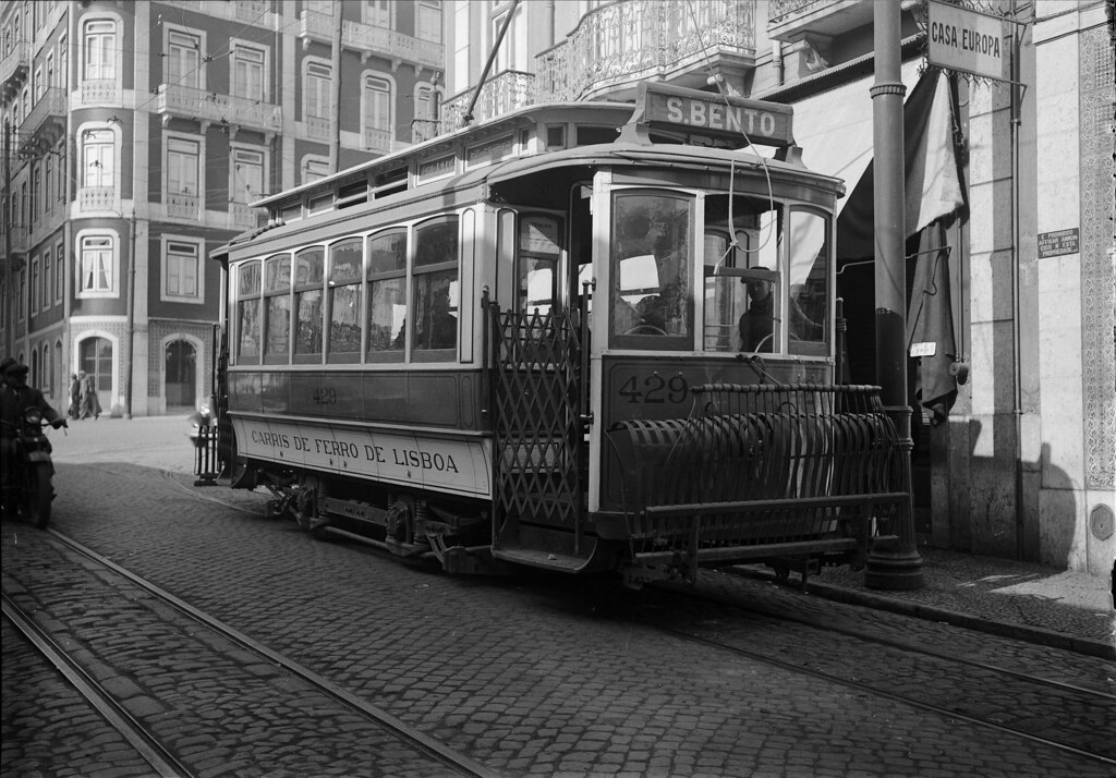 Eléctrico, Lisboa (H. Novais, s.d.)