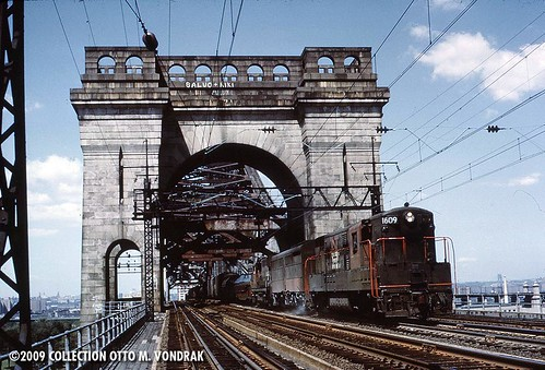 NH 1609 on Hell Gate Bridge, 1963