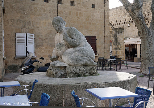 Statue de femme callipyge