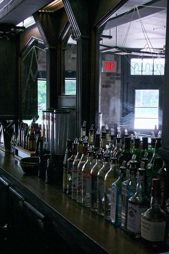 Chestnut Bar, Old Canal Inn