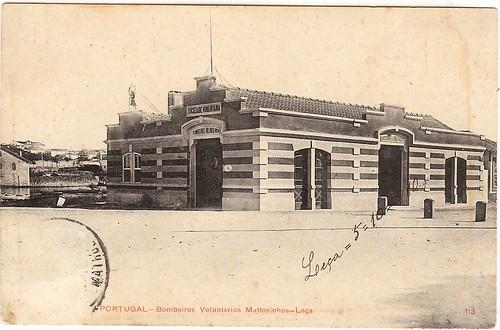 Quartel dos Bombeiros de Matosinhos-Leça, à esquerda da saída da Ponte de Pedra (dos 19 Arcos)