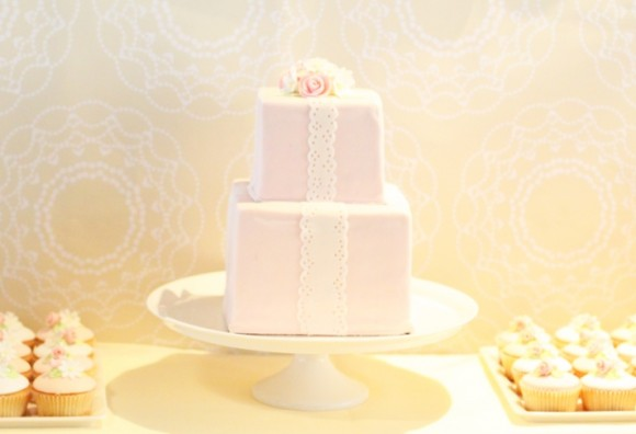 pink-lace-rose-cake-birthday-party-wedding-580x396