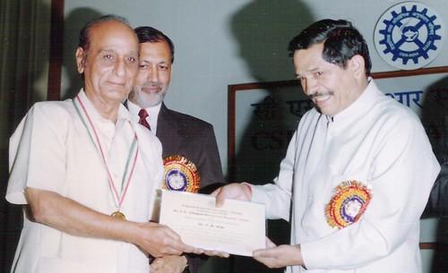 ISH CHOPRA(I.C.CHOPRA)AWARD-2000, by Minister (Human resources), PUSA DELHI for several drug development technologies.