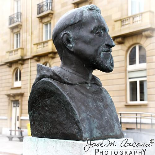 San Sebastian / Donostia. Busto del Padre Donostia.