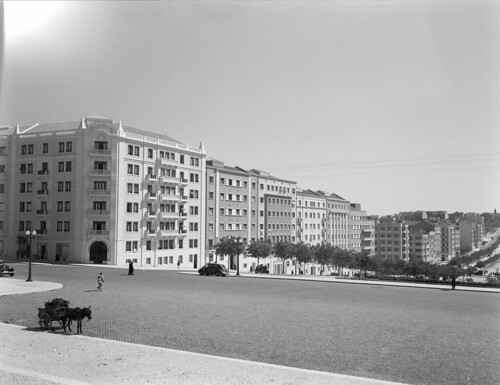 Alameda Dom Afonso Henriques, Lisboa (H. Novais, c. 1950)