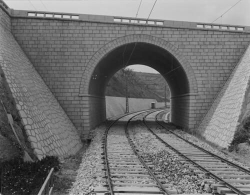 Ramal ferroviário do Estádio Nacional, Cruz Quebrada (H.Novais, c. 1950)