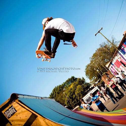 Hall Hammr working his session at the #RVA #streetartfestival in 2013. #digitalcatchphoto #skateboarding #airtime #flyinghigh