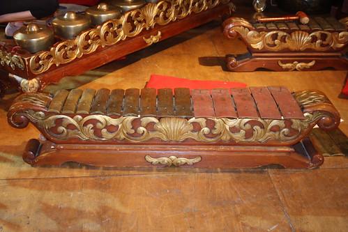 Xylophones, Gongs, etc. [Percussive Idiophones] 29: Cémprés (of Sekar Enggal musician)
