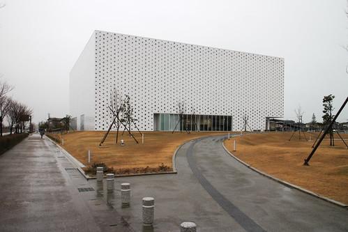 Kanazawa Umimirai Library (1).jpg