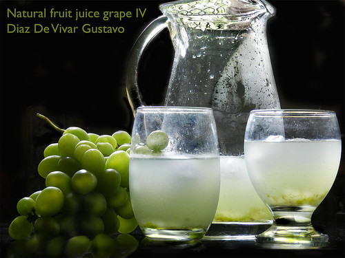 Natural fruit juice grape IV - Diaz De Vivar Gustavo