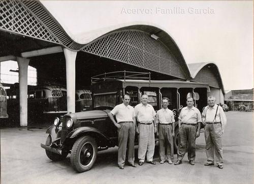 sócios e funcionários da Viação Garcia. Anos 50.