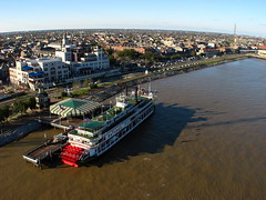 Kite Over New Orleans - Steam Boat on the Big Muddy (Wind Watcher) Tags: new kite river mississippi boat orleans angle wide steam kap dopero bbkk windwatcher a570is chdk aurico