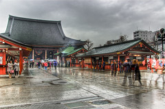 DSC_0256_7_8_tonemapped (nrtphotos) Tags: japan contrast asian temple sensoji tokyo pagoda high shrine asia dynamic adobe lantern asa ward asakusa orient shinto 2008 range hdr lightroom taito budhhist