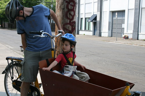 picking up the bakfiets for the weekend.