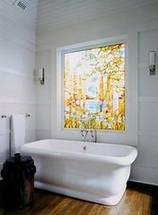 azienka z witraem w oknie (wnetrzator) Tags: w jak azienki kolorowe biae pasy eleganckie urzdzi azienk