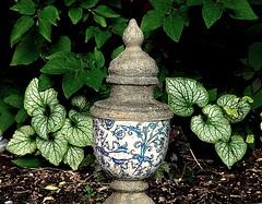 Garden Urn (FelixSS) Tags: flowers plants white green urn silver antique decoration foliage jackfrost brunnera gardendecoration liliac gardem gardenurn