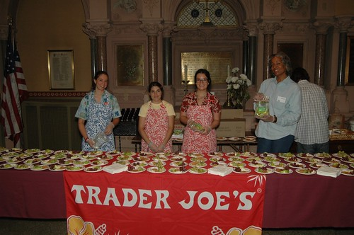 job satisfaction and higher performance trader joe s Companies that invest in higher salaries for low-level employees find success   but companies like quiktrip, the grocery-store chain trader joe's, and costco   middle-income jobs have declined recently as a share of total.